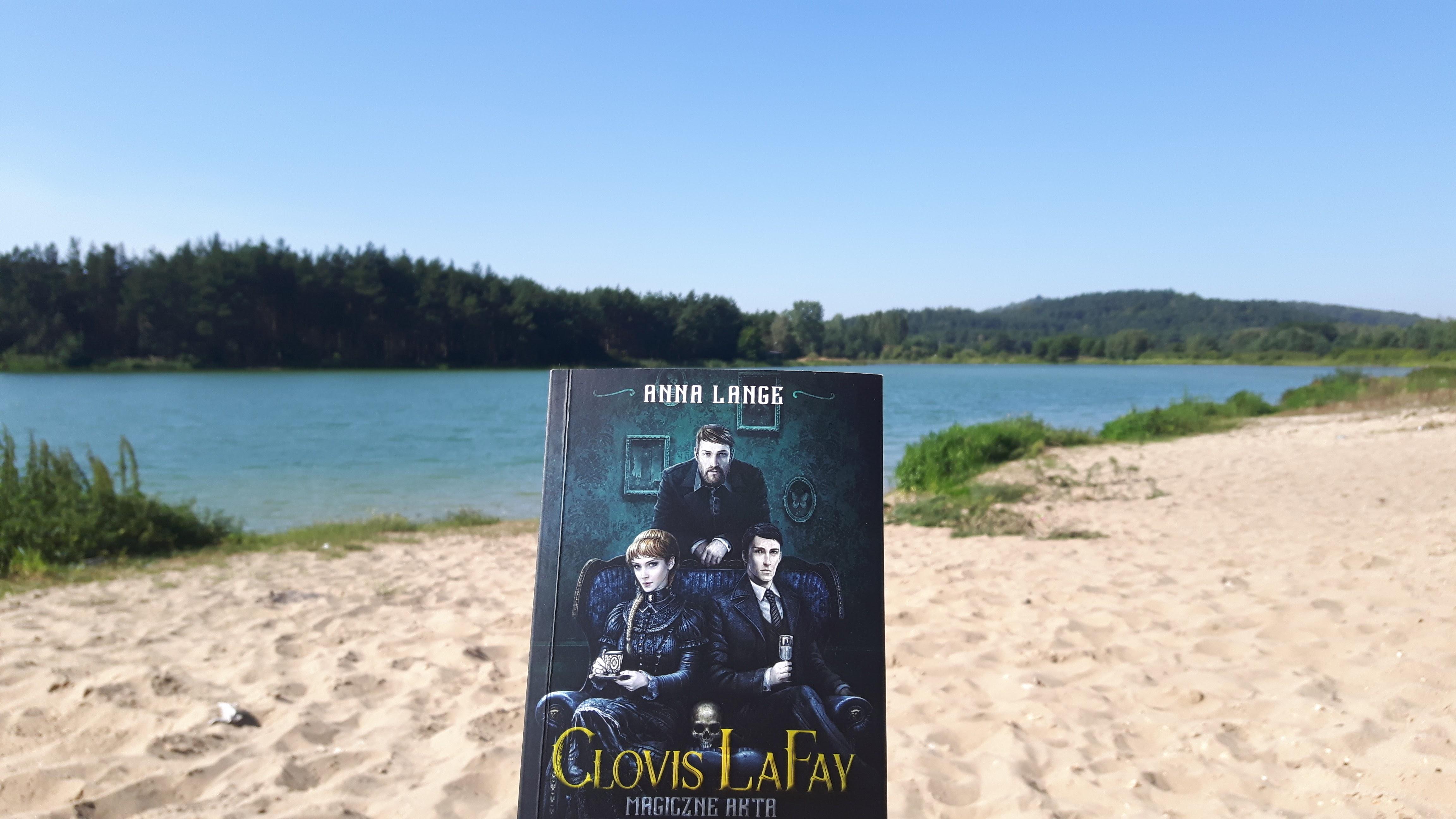 "Anna Lange ""Clovis LaFay. Magiczne akta Scotland Yardu"""