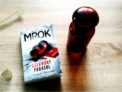 """Przedpremierowo: Wiktor Mrok """"Czerwony Parasol"""""""