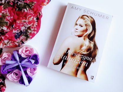 """Przedpremierowo! Amy Schumer """"Dziewczyna z tatuażem na lędźwiach"""""""